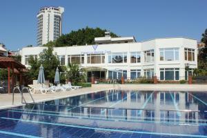 Fresenius Medical Care Antalya Holiday Dialysis Center